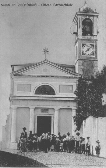 Una vecchia cartolina raffigurante la chiesa parrocchiale di Villadosia
